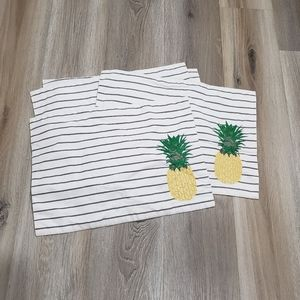 Placemats pineapple and strips 4 total